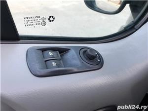 Opel Vivaro 2011 euro 5 - imagine 12
