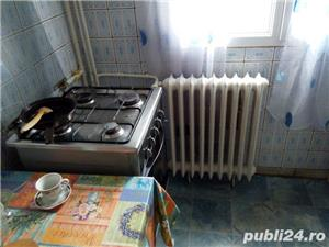 Apartament 3 camere decomandat-etaj 2- Aparatorii Patriei / Moldovita - imagine 4