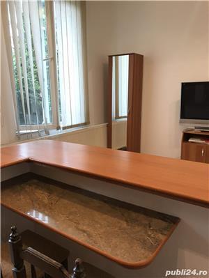 Închiriez apartament modern, cu o camera, in vila, ultracentral, cu parcare in curte. - imagine 8