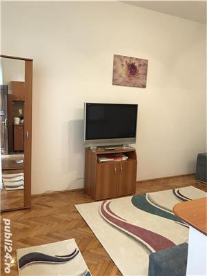 Închiriez apartament modern, cu o camera, in vila, ultracentral, cu parcare in curte. - imagine 12
