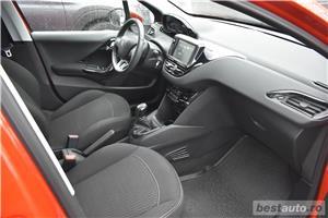 Peugeot 208 - imagine 12