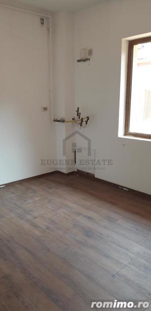 Apartament cu 3 camere Damaroaia - imagine 1