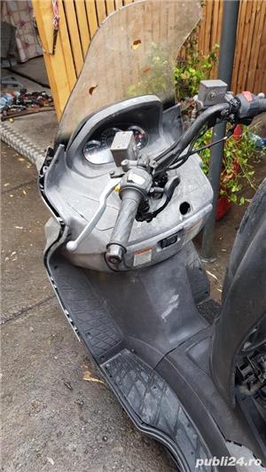 Dezmembrez scuter Suzuki Burgman italia - imagine 7