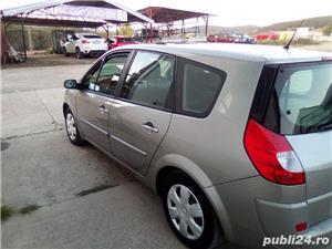 Renault Grand Scenic - imagine 8