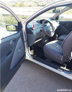 Toyota yaris - imagine 3