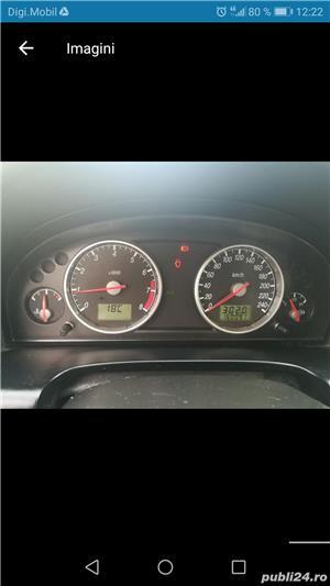 Vand sau schimb Ford Mondeo 1.8 benzina din 2002 inmatriculat  - imagine 2