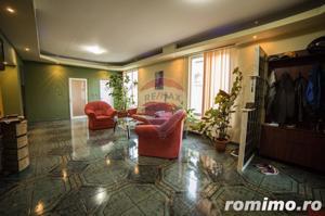 Casă / Vilă cu 5 camere de vânzare în zona Aurel Vlaicu - imagine 3