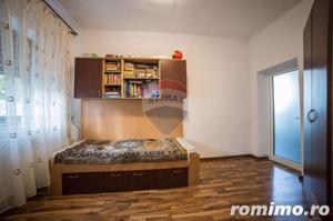 Casă / Vilă cu 5 camere de vânzare în zona Aurel Vlaicu - imagine 6