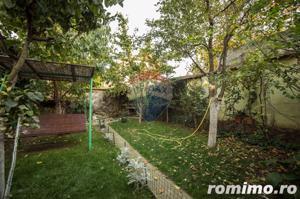 Casă / Vilă cu 5 camere de vânzare în zona Aurel Vlaicu - imagine 2