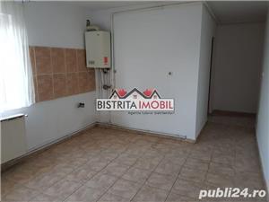 Apartament 2 camere, Calea Moldovei - Diana, foarte spatios, decomandat - imagine 2