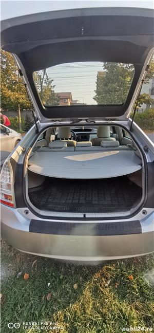 Toyota prius 3 hibrid 56000km - imagine 5