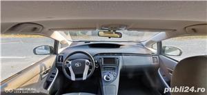 Toyota prius 3 hibrid 56000km - imagine 6