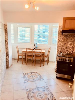 Vând apartament lux 3 camere Piata Victoriei 90mp utilat,bloc 1995, Propprietar - imagine 3
