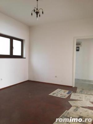 Piata Romana 4 camere etaj 4/8 semidecomandat ideal birou/locuinta - imagine 7