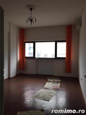 Piata Romana 4 camere etaj 4/8 semidecomandat ideal birou/locuinta - imagine 8
