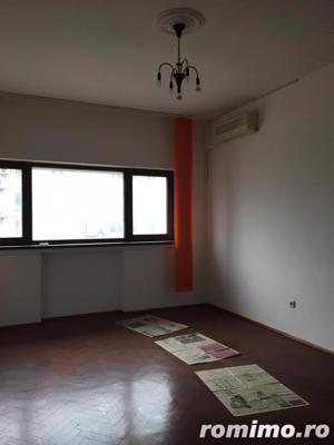 Piata Romana 4 camere etaj 4/8 semidecomandat ideal birou/locuinta - imagine 10