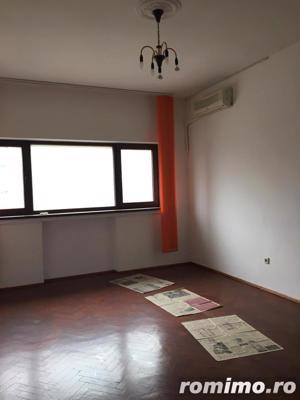 Piata Romana 4 camere etaj 4/8 semidecomandat ideal birou/locuinta - imagine 11
