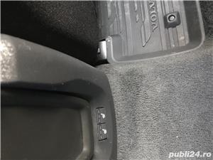 Volvo V40 - imagine 10