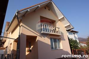 Casă / Vilă cu 4 camere de vânzare în zona Calugareni - imagine 1