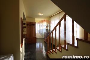 Casă / Vilă cu 4 camere de vânzare în zona Calugareni - imagine 12