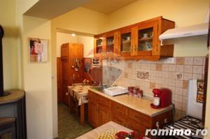 Casă / Vilă cu 4 camere de vânzare în zona Calugareni - imagine 11