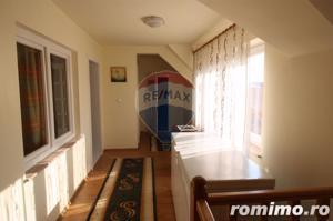 Casă / Vilă cu 4 camere de vânzare în zona Calugareni - imagine 14