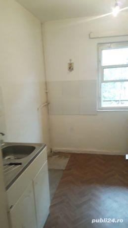 Apartament 2 camere, decomandat, Bd. Bucuresti, Ploiesti - imagine 2