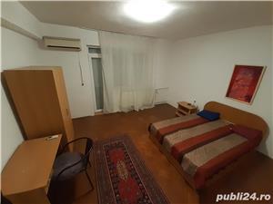 Dau în chirie apartament ultracentral cu 3 camere - imagine 1