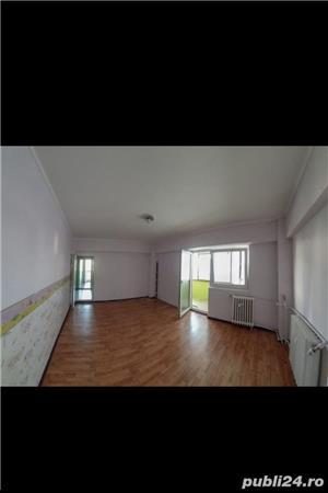 Apartament 2 camere cf 1 decomandat zona Ultracentrala - imagine 2