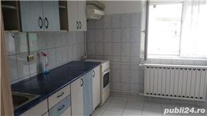 Inchiriez apartament 3 camere decomandat zona Panduri - imagine 3