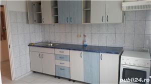 Inchiriez apartament 3 camere decomandat zona Panduri - imagine 4