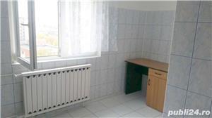 Inchiriez apartament 3 camere decomandat zona Panduri - imagine 2