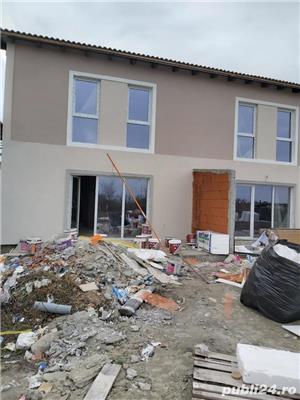 Duplex la asfalt, intre case locuite, tote utilitatiile acces auto, terasa, teren 670mp - imagine 5