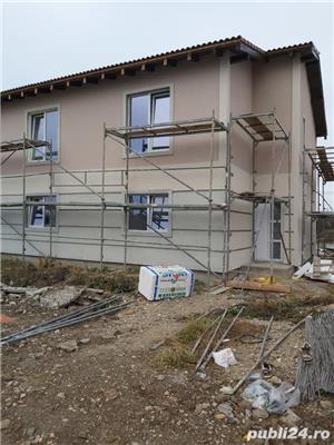 Duplex la asfalt, intre case locuite, tote utilitatiile acces auto, terasa, teren 670mp - imagine 4