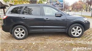 Hyundai Santa Fe 2009 2.2CRDI 7 locuri - imagine 2