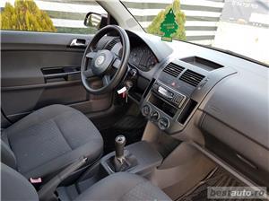 VW Polo Euro 4, 1.2 benzina,4 usi, an 2003. - imagine 4