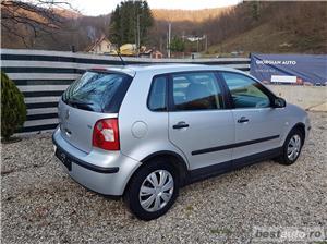 VW Polo Euro 4, 1.2 benzina,4 usi, an 2003. - imagine 5