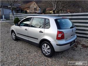 VW Polo Euro 4, 1.2 benzina,4 usi, an 2003. - imagine 6