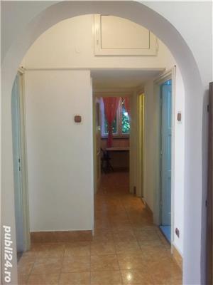 - Bloc Rusesc - Apartament de Vanzare 3 Camere - ( Bloc tip vila ) - - imagine 5