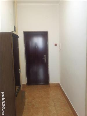 - Bloc Rusesc - Apartament de Vanzare 3 Camere - ( Bloc tip vila ) - - imagine 4
