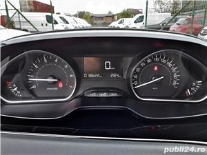 Peugeot 208 Hatchback - 2019 - 4 usi - Euro 6 - 1.2i 82cp - imagine 9