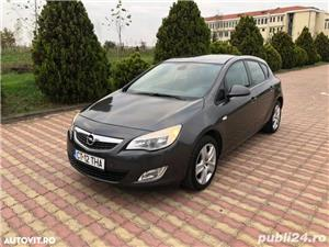 Opel Astra J 1.4 benzina 101 cp an 2011 - imagine 1