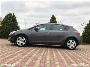 Opel Astra J 1.4 benzina 101 cp an 2011 - imagine 4