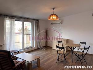 Vanzare apartament - 2 camere - 1 Mai - terasa 23 mp - imagine 2