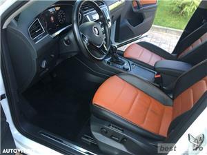 Volkswagen Tiguan R-Line // 2.0 TDi 150 CP // Ceasuri Plasme // Navigatie Mare 3D // Scaune Full .  - imagine 3