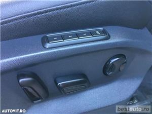 Volkswagen Tiguan R-Line // 2.0 TDi 150 CP // Ceasuri Plasme // Navigatie Mare 3D // Scaune Full .  - imagine 15