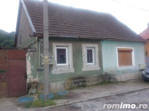 Casa si teren in Resita - imagine 1