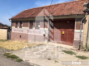 Casa individuala in apropiere de statiunea Ochiul Beiului - imagine 1