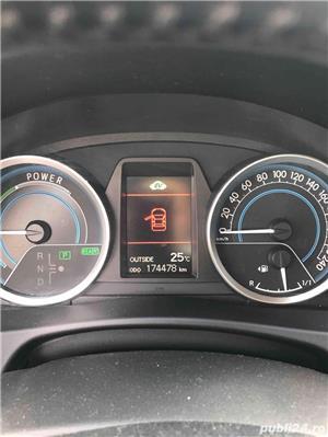 Toyota auris - imagine 6
