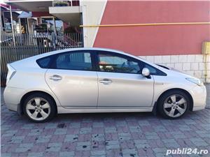 Toyota prius 3 hibrid 56000km - imagine 10